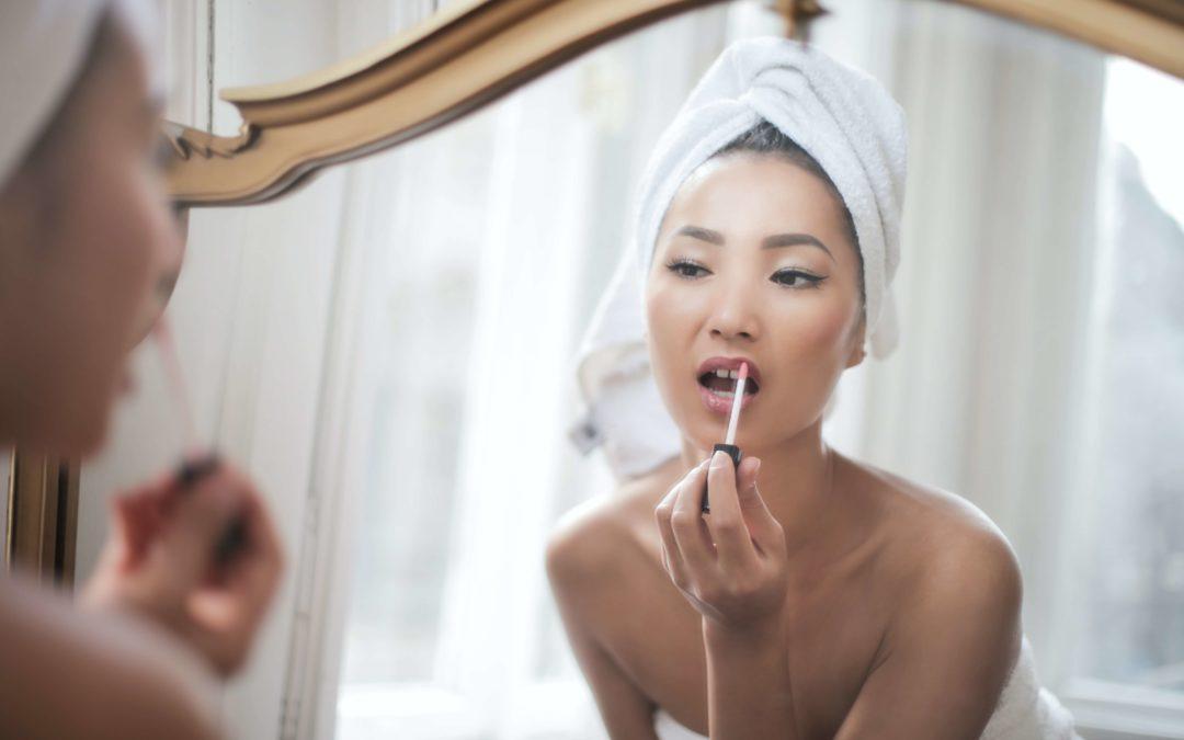 6 étapes pour réaliser un maquillage d'été